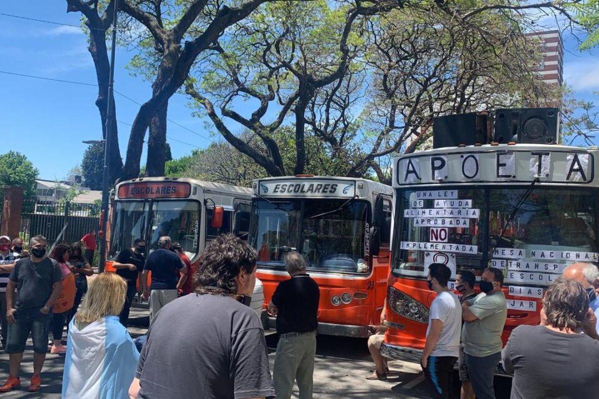 Morón: Transportistas escolares eximidos de pagar impuestos