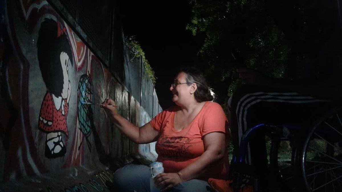 Mafalda, la Bruja Cachavacha y mucho más arte: un grupo de muralistas le da vida y color a las paredes de Castelar