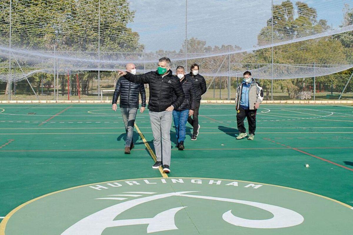 Juan Zabaleta visitó las obras de infraestructura deportiva que se realizan en el Polideportivo y en el Centro Recreativo municipal