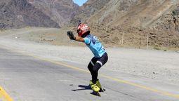 altText(Lucas Sawyer: el patinador de Pontevedra que sueña con recorrer 31 mil kilómetros para unir Ushuaia con Alaska en patín)}