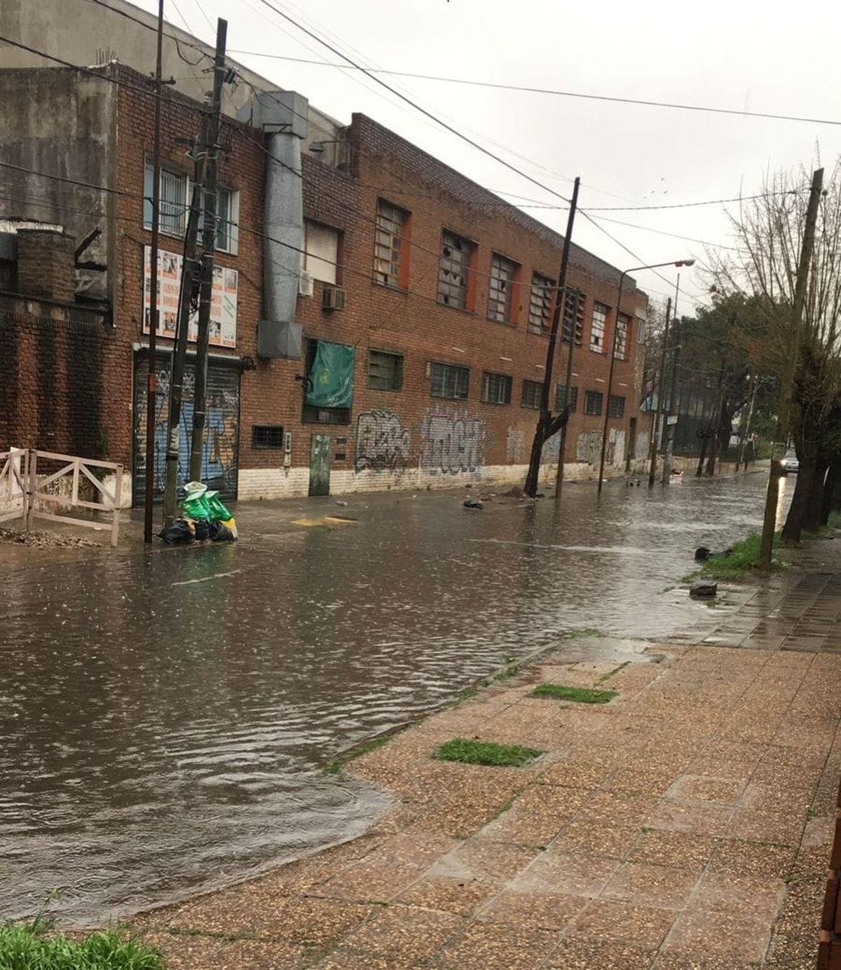 La Matanza: vecinos comparten imágenes de calles inundadas